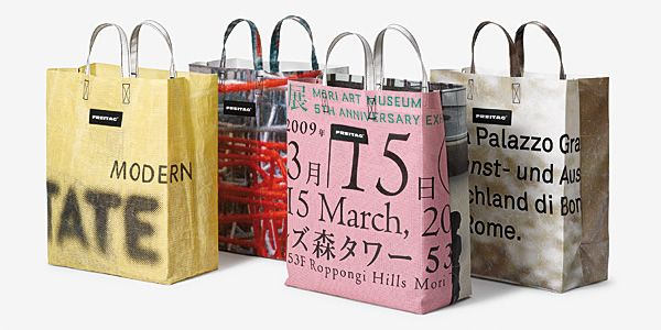 customised business gifts singapore